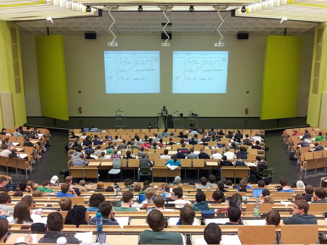 university-105709_1280