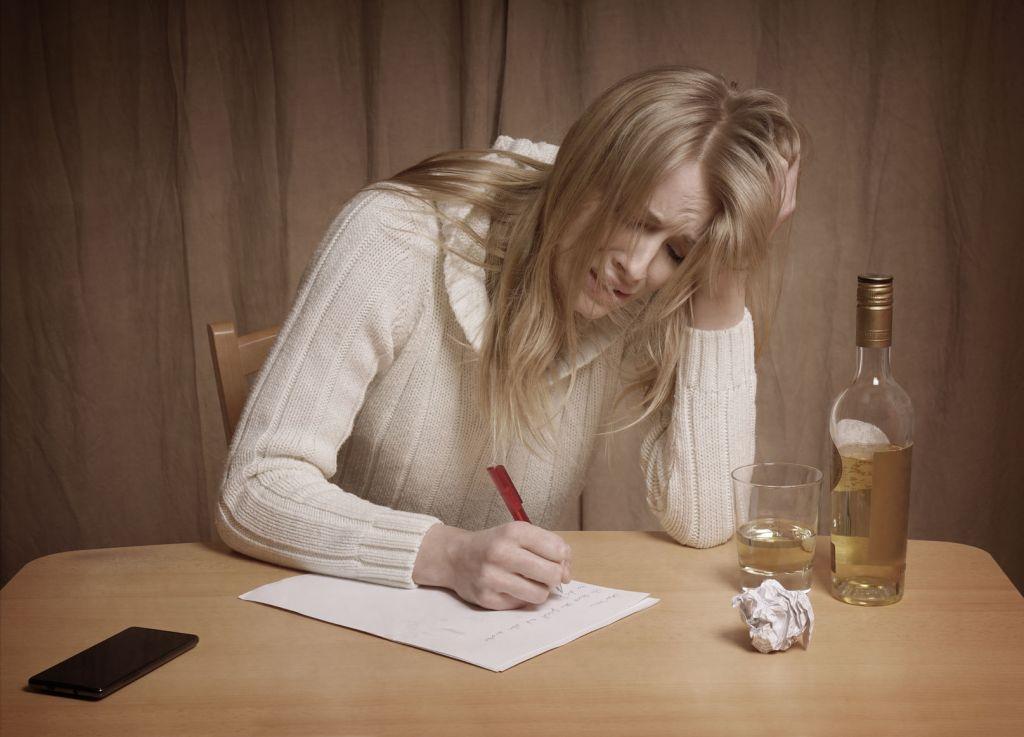 失恋の立ち直り方!別れた理由を書き出すと辛さを乗り越えられる?